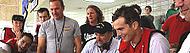 Regizorul Andy Davis inoata spre tarm pentru filmul The Guardian