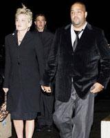 Sharon Stone si-a scos noul iubit la cina in Paris, Life style,Stiri VIP,Noutati Vedete