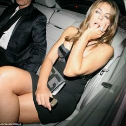 Liz Hurley, surprinsa beata la o petrecere in Londra, Life style,Stiri VIP,Noutati Vedete